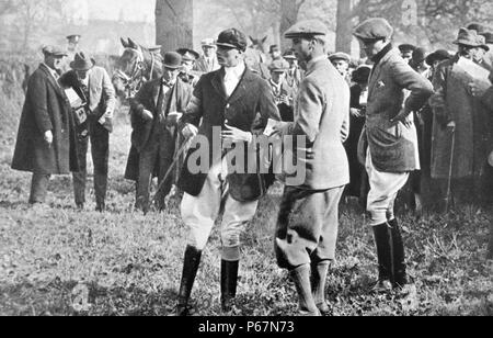 Drei Prinzen nehmen an der Armee Punkt treffen in Arborfield zu zeigen. Der Herzog von York (später König George VI), der Prince of Wales (später König Edward VIII.) und Prinz Henry (der Herzog von Gloucester). - Stockfoto