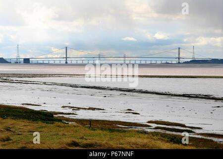 Der Severn Bridge über den Severn Estuary, 1,6 km breite Ausdehnung von Wasser für den Severn Barrage vorgeschlagen, für Wasserkraft Strom in der Nähe der Severn s - Stockfoto