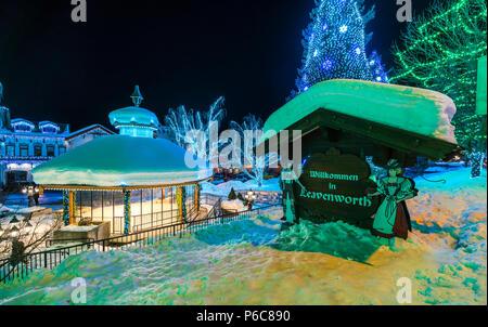 Leavenworth, Washington, USA. -02/14/16: schöne Leavenworth mit Beleuchtung Dekoration im Winter. - Stockfoto