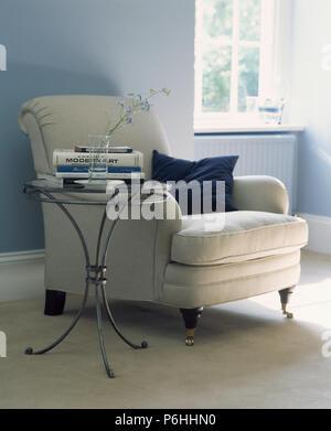 Traditionelle Wohnzimmer Helles Blau Grune Wande Geblumten Sofa