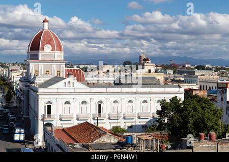 Der Rotunde des Antiguo Ayuntamiento, der Heimat der Provinzregierung Gebäude in Cienfuegos, Kuba - Stockfoto