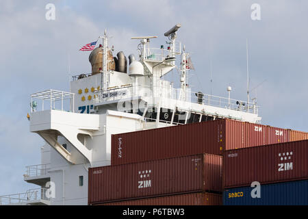 Brücke der Containerschiff Zim Shanghai - Stockfoto