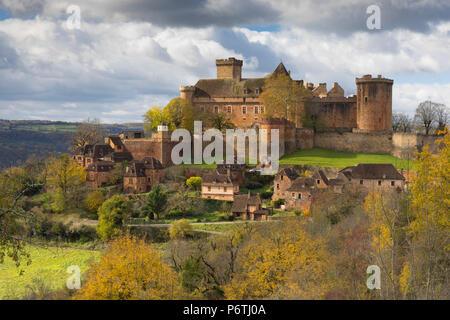 Castelnau-Bretenoux im Herbst, Lot, Midi-Pyrénées, Frankreich - Stockfoto