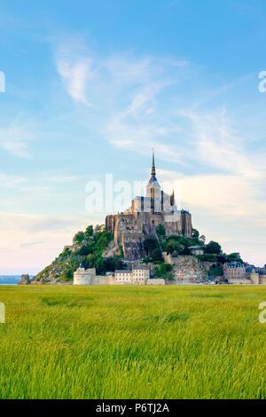 Frankreich, Normandie (Normandie), der Manche Abteilung, Le Mont-Saint-Miichel bei Sonnenuntergang. - Stockfoto