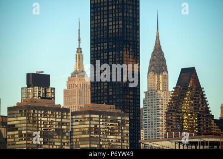 USA, Ostküste, New York, Manhattan, Midtown, Chrysler und Empire State Building - Stockfoto