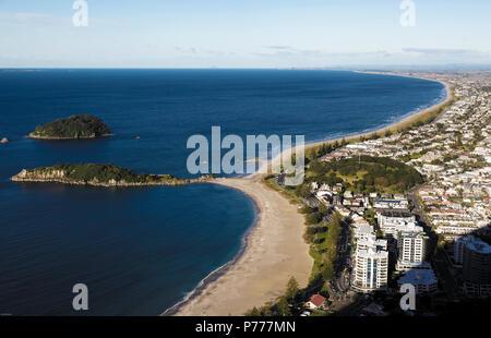 Hohe Betrachtungswinkel von Mount Maunganui, Bay of Plenty, Neuseeland - Stockfoto