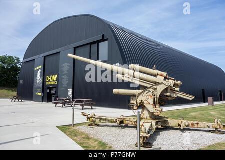 Deutsch 88 mm anti-aircraft Gun am D-Tag erleben, der Anziehung und WW2 Museum in Saint-Côme-du-Mont, Saint-Lô, Normandie, Frankreich - Stockfoto