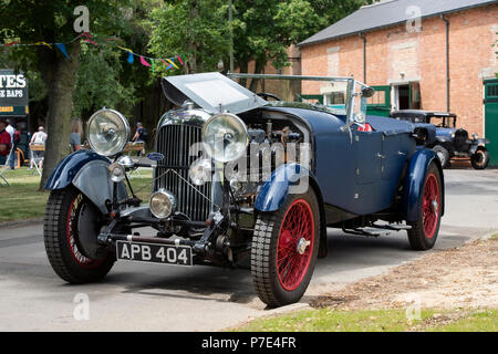 1932 Lagonda Auto am Schwungrad Festival. Heritage Center in Bicester, Oxfordshire, England - Stockfoto