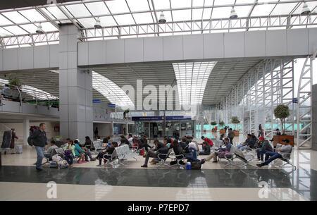 Terminal Quitumbe Busbahnhof im Süden von Quito Ecuador entfernt. Wegbeschreibung zum Oriente Banos Cuenca Guayaquil Coca - Stockfoto