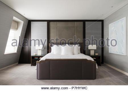 Minimalistische schlafzimmer stockfoto bild: 211222069 alamy