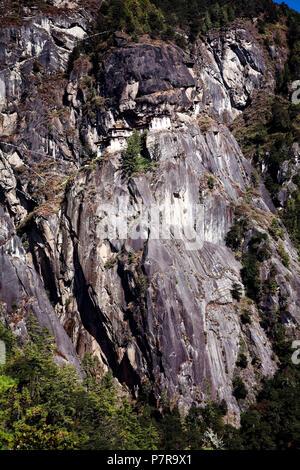 Taktsang Palphug Kloster oder die Tiger Nest in der Nähe von Paro Bhutan war ursprünglich auf 1692. Stockfoto
