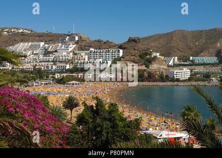 Blick über Resort von Puerto Rico auf der Kanarischen Insel Gran Canaria, Spanien - Stockfoto