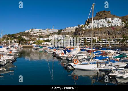 Spanien - Kanarische Inseln - Gran Canaria - Puerto Rico - Blick auf die Marina - Stockfoto