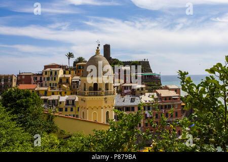 Vernazza ist eine Gemeinde in der Provinz von La Spezia, Ligurien, nordwestlichen Italien. - Stockfoto