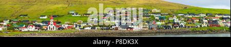 Panorama der Sandavagur Dorf, Färöer Inseln - Stockfoto