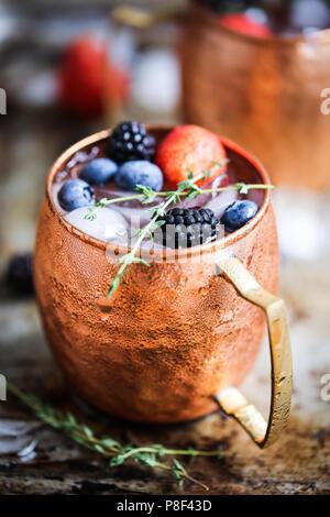 Sommer Beeren Moscow Mule - Stockfoto