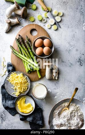 Spargel, Pilze und Eier (quiche Zutaten) - Stockfoto
