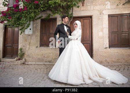 Muslimischen Braut und Bräutigam islamischen Trauung Mitte Easterner traditionellen muslimischen Hochzeit - Stockfoto
