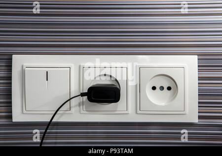 Steckdose mit Stecker, sichere Energie Stockfoto, Bild: 34637276 - Alamy