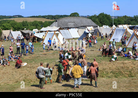 Viking Spiele während der Viking Festival in Fyrkat, Dänemark - Stockfoto