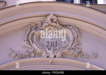 Augsburg, Bayern, Deutschland - Detail der historischen Haus Portal der Philippine Welser Straße 20. - Stockfoto