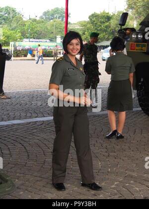 Schöne Armee bei TUGU MONUMEN NASIONAL. Reisen in Jakarta, die Hauptstadt Indonesiens. 4. Oktober 2012. - Stockfoto