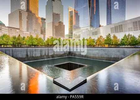 New York, New York, USA Lower Manhattans Finanzviertel am World Trade Center. - Stockfoto