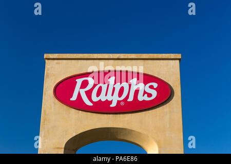 LOS ANGELES, CA/USA - Oktober 13, 2014: Ralphs Grocery Store anmelden. - Stockfoto