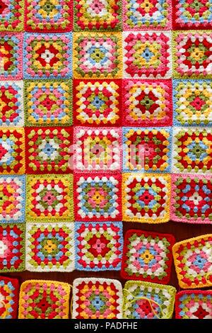 Pastellfarbenen granny square Wolldecke Babydecke, traditionelle ...