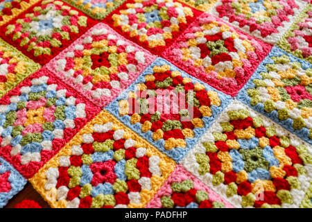 Hell granny square Wolldecke Babydecke farbige, traditionelle ...
