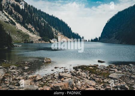 Mount Sattel und Lake Agnes im Banff National Park - Alberta, Kanada. - Stockfoto
