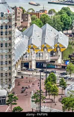 Rotterdam holland bleistift geb ude und cube h user for Moderne cube hauser