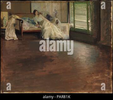 Durch das Zimmer. Artist: Edmund Charles Tarbell (1862-1938). Abmessungen: 25 x 30 cm. (63,5 x 76,5 cm). Datum: Ca. 1899. In Paris, Tarbell war tief durch die frische Haltungen und revolutionäre Techniken der Impressionisten beeindruckt. Ihre Vorliebe für die Arbeit-von-Türen, ihre indizierten Palette, und ihre Lose, schnelle brushwork wurde Merkmale seines Stils. Tarbell bewundert, auch das siebzehnte Jahrhundert die niederländischen Maler Vermeer, dessen ruhige, helle Zimmer mit ihrer zeitlosen Bilder einer einsamen weiblichen Insassen viele seiner Bilder inspiriert. In dieser Malerei, modisch Dre - Stockfoto