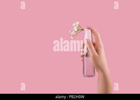 Flasche Parfüm mit Spray Duft von Blumen - Stockfoto