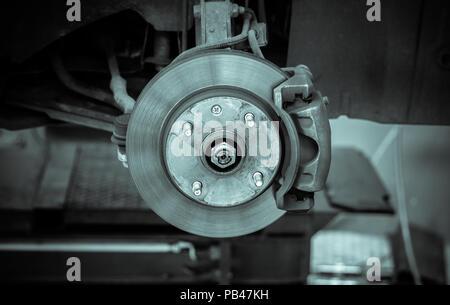 Bremsscheibe und Detail der Radnabe - schwarze und weiße Filter Effekt - Stockfoto