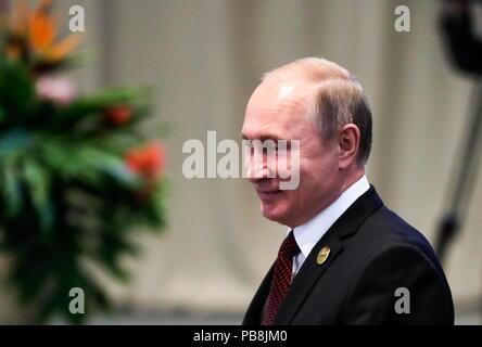 Johannesburg, Südafrika. 27. Juli, 2018. JOHANNESBURG, Südafrika - Juli 27, 2018: Der russische Präsident Vladimir Putin am Tag 3 des 10 BRICS-Gipfel. Michail Metzel/TASS Credit: ITAR-TASS News Agentur/Alamy leben Nachrichten - Stockfoto