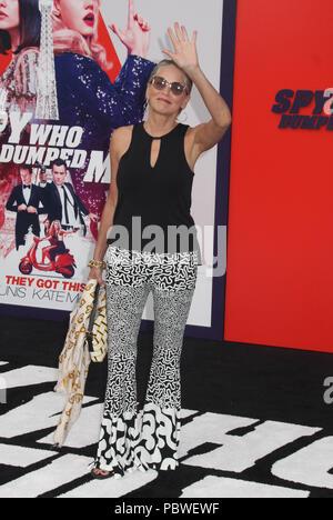 """Sharon Stone 07/25/2018 Die Los Angeles Premiere von """"Der Spion, der entleerte mich' im Regency Dorf Theater in Los Angeles, CA Foto: Cronos/Hollywood Nachrichten gehalten - Stockfoto"""
