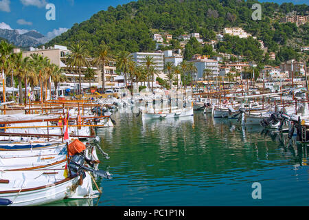 Der Hafen von Port de Soller - Stockfoto