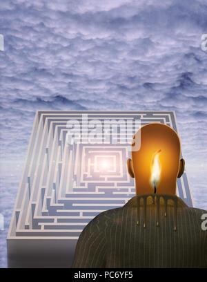 Surrealismus. Schmelzende Kerze im menschlichen Kopf. Labyrinth. - Stockfoto