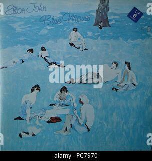 Elton John - Blau bewegt - Vintage Vinyl Album Cover - Stockfoto