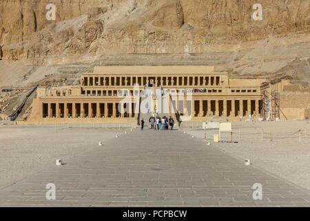 Der Totentempel der Hatschepsut, Deir el-Bahari, Luxor, Ägypten, Afrika - Stockfoto