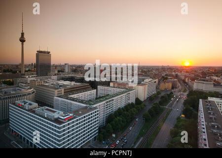 Berlin Panorama aus der Vogelperspektive über Alexander Square City West, Berlin, Deutschland - Stockfoto