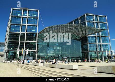 Berlin Hauptbahnhof. Berlin Hauptbahnhof. - Stockfoto
