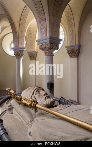 Erbaut von Ernst Zwirner, mit Sarkophag Krypta aus dem 14. Jahrhundert, Grabmal St. Apollinaris - Stockfoto