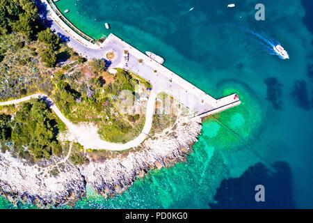 Cape und das türkisfarbene Meer in Srebreno Luftaufnahme, Dubrovnik Archipel von Kroatien - Stockfoto