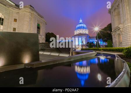 Nacht Blick auf das historische Rathaus von San Francisco, Kalifornien - Stockfoto