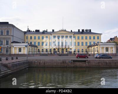 Der Präsidentenpalast im Zentrum von Helsinki Finnland enthält private Appartements, Rezeption und Büro, aber nicht mehr als Residenz - Stockfoto