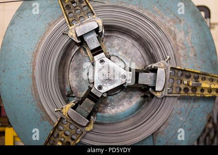 Verzinkte Stahl-Coils verpackt Stockfoto, Bild: 102352638 - Alamy