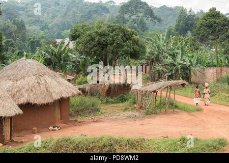 Ländliche Dorf Szene in Mukono, Uganda. - Stockfoto