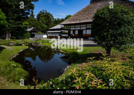 Ashikaga Gakko Garten wurde während der Edo Periode erstellt, aber verfielen, bis es wieder in seiner ursprünglichen Form wurde gebildet, der Teiche und Hügeln. - Stockfoto